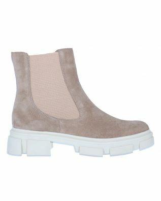 ILC Boots